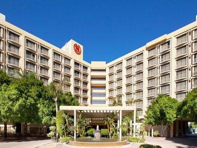 Sheraton Crescent Phoenix Hotel